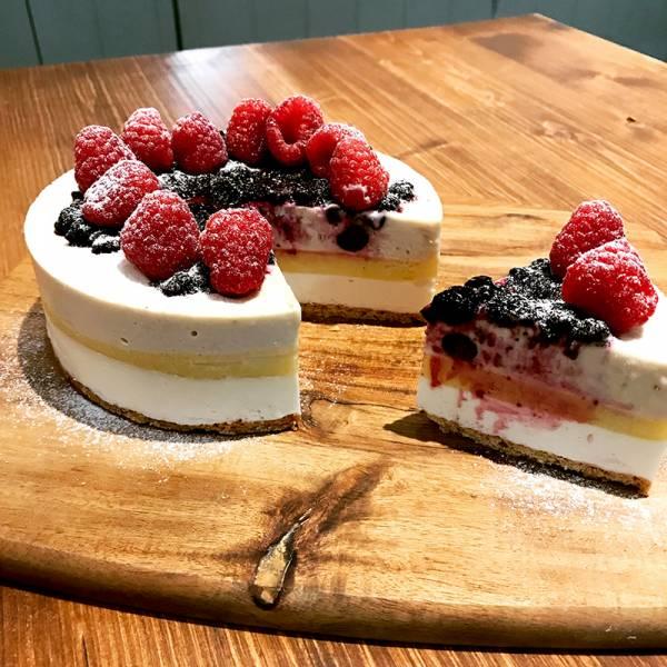檸檬莓果乳酪慕斯蛋糕 酸甜莓果蛋糕,情人節蛋糕,生日蛋糕
