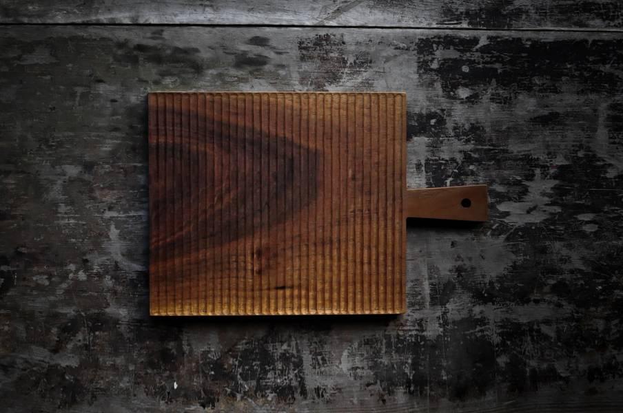 手刻直紋木托盤