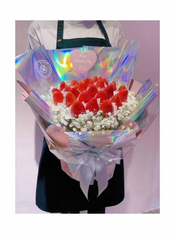 【極限定】太空銀UNICORN草莓花束大型 草莓花束,白色情人節,情人節