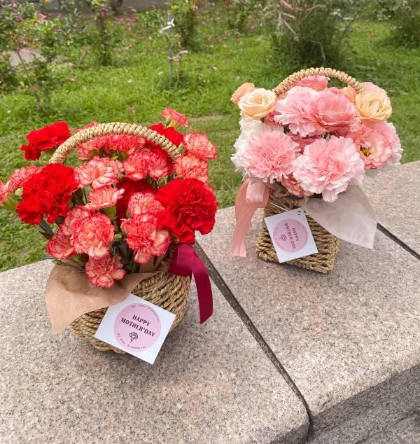 【母親節期間限定】My Dear Mommy 康乃馨花籃 情人節花束,草莓花束,情人節禮物