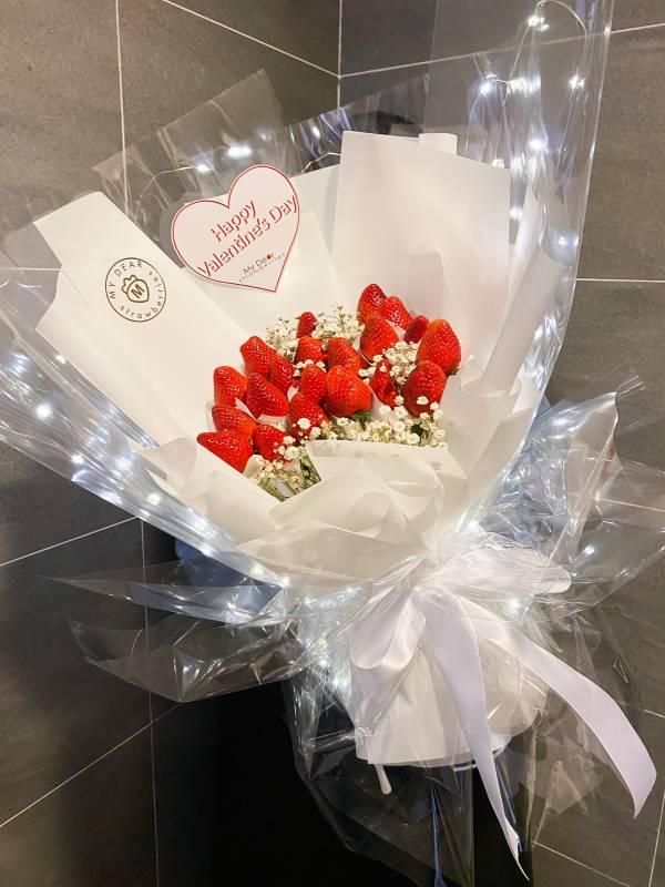 【全台獨家】Bling Bling♡閃到爆草莓花束 情人節花束,草莓花束,情人節禮物