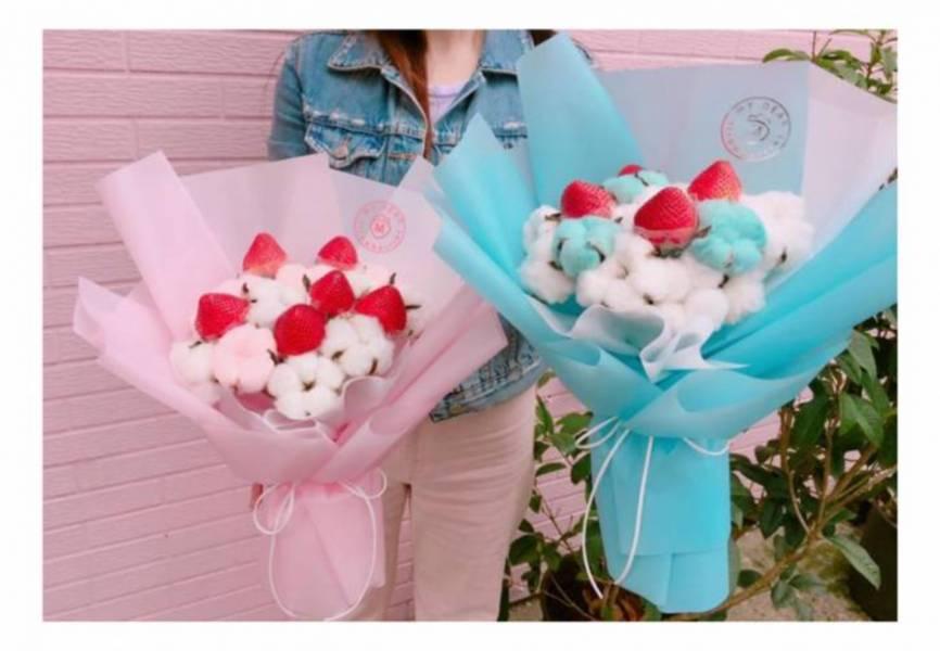 草莓雲朵花束 草莓花束,畢業花束,棉花糖花束