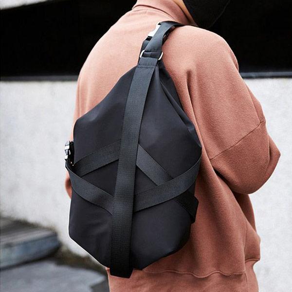 日系簡約休閒兩用側背包後背包包1入