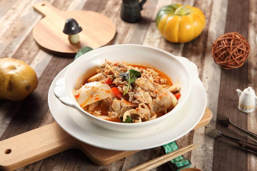 泰式紅咖哩椰汁牛肉