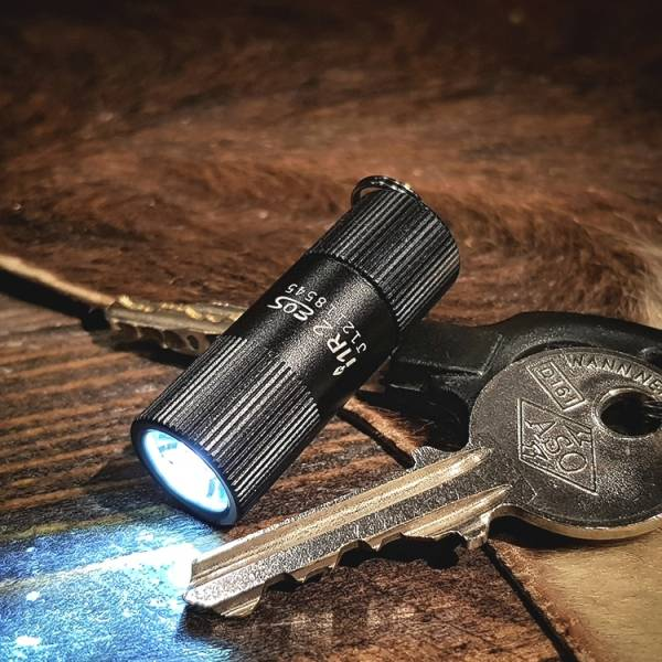 Olight【I1R 2 EOS Flashlight】 ott,ottgear,olight,手電筒,戰術手電筒,勤務裝備,隨身手電筒,鑰匙圈手電筒,迷你手電筒,高亮,小手電筒,EDC