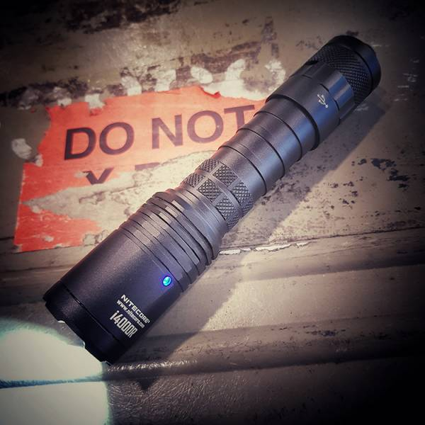 Nitecore【I4000R Flashlight】 ott,ottgear,nitecore,手電筒,戰術手電筒,勤務裝備,勤務手電筒,強光手電筒,爆閃,爆閃手電筒,閃爍