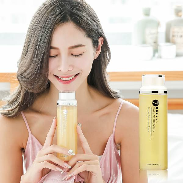 Eileen Grace Luxury Moisture Toner 250ml 80%玻尿酸、熊果素、奈米金箔、保濕透亮、極致水潤、超大容量