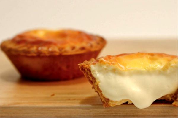 半熟乳酪塔 - 2入 半熟乳酪塔,半熟乳酪,巴斯克乳酪,生乳酪塔,北海道乳酪塔,法蘭司烘焙,台北伴手禮,宅配,團購,半熟
