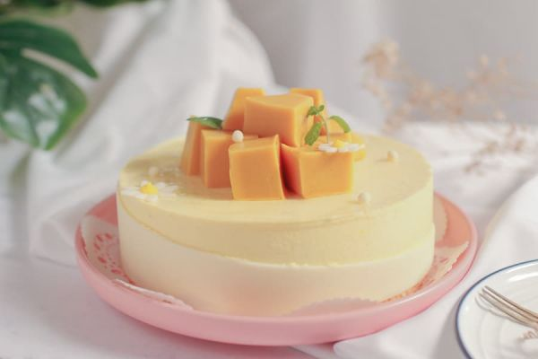 初夏鮮芒 - 芒果慕斯 芒果蛋糕,慕斯蛋糕,台北芒果蛋糕訂購,法蘭司烘焙,母親節蛋糕預訂