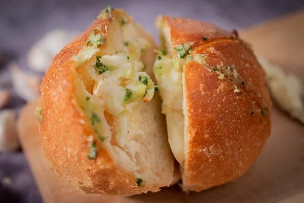 法蘭司烘焙-爆漿香蒜乳酪