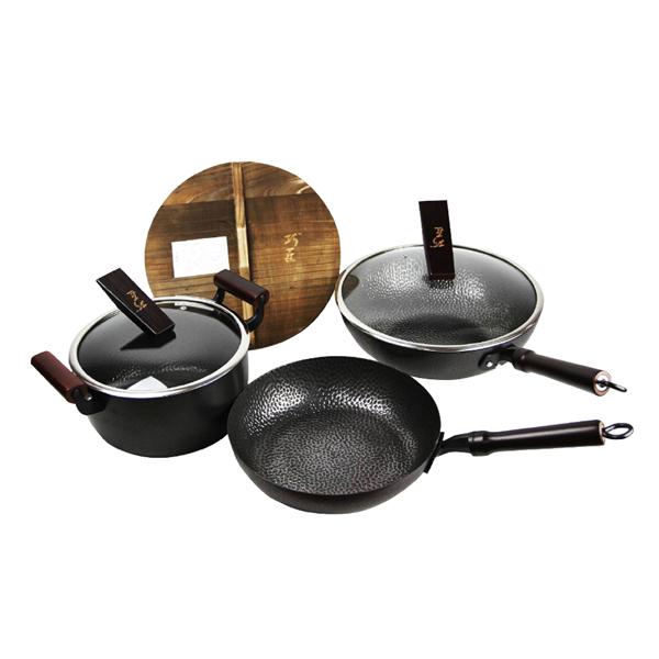 巧匠手工捶打鍋組 手工捶打鍋,手工鍋,巧匠,捶打鍋,一體成型鍋