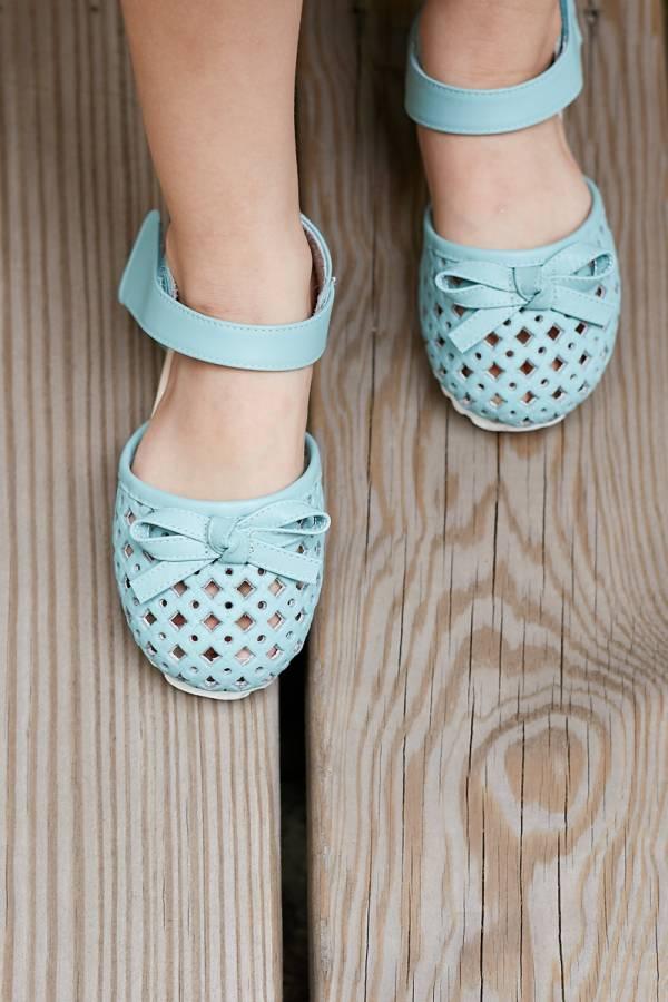 現貨 透氣摟空包趾真皮親子涼鞋-淺藍色 女童涼鞋,親子涼鞋
