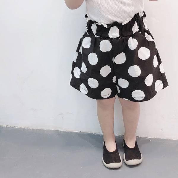 現貨 大圓點女童夏季飄逸短褲-黑色 現貨,女童短褲,飄逸短褲