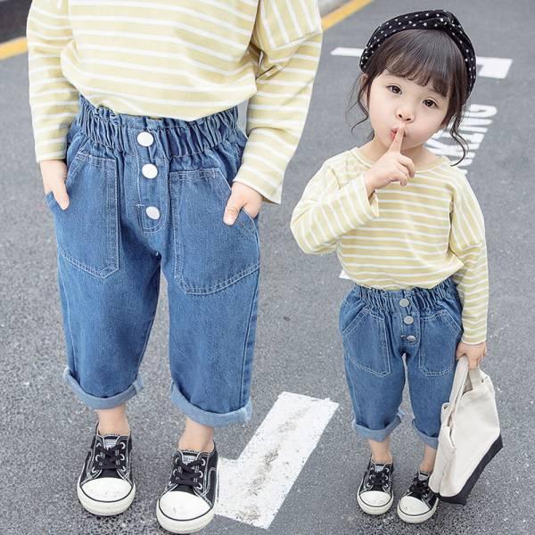 現貨 女童高腰牛仔褲 反折寬鬆褲-共一色 現貨,女童高腰牛仔褲,反折寬鬆褲