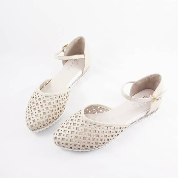 現貨 透氣摟空包趾真皮親子涼鞋-米白色大人 親子涼鞋,台灣製造