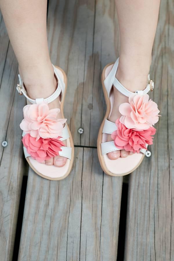 現貨 夏威夷花朵女童真皮涼鞋-米色 女童真皮涼鞋,台灣製童鞋,台灣製涼鞋,女童涼鞋,真皮涼鞋
