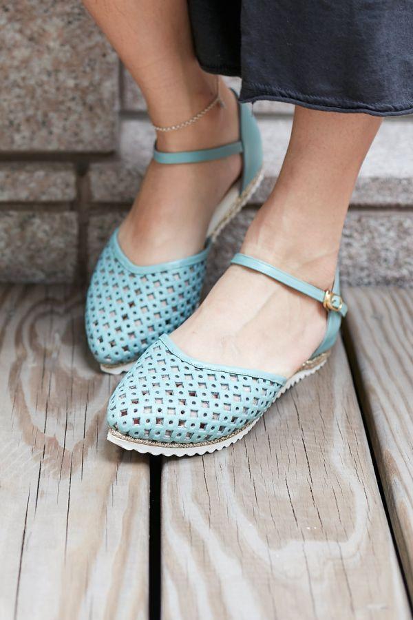 現貨 透氣摟空包趾真皮親子涼鞋-淺藍色大人 親子涼鞋,台灣製造