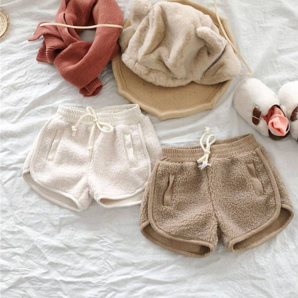 現貨 保暖羊羔毛兒童短褲-共兩色 保暖羊羔毛短褲,兒童短褲,保暖短褲
