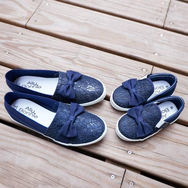 現貨 台灣製親子鞋 蕾絲魔鬼氈兒童休閒鞋-深藍色大人 台灣製親子鞋,兒童休閒鞋