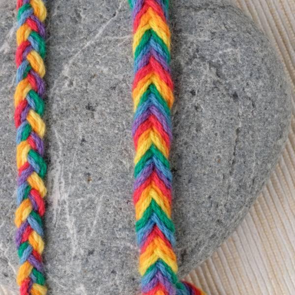 梅有綺飾六色彩虹 編織環 同志、多元性別、彩虹旗、歧視、LGBTQ、編織、飾品、多元性別、酷兒