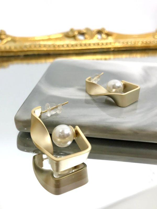 不規則方形珍珠耳環