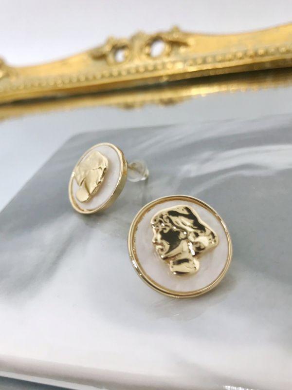 金箔仕女圓型耳環