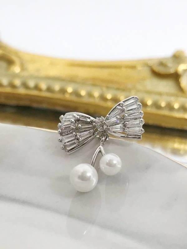 珍珠蝴蝶結別針