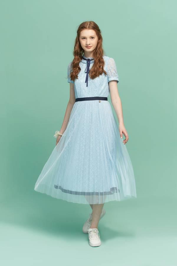 優雅花朵蕾絲洋裝