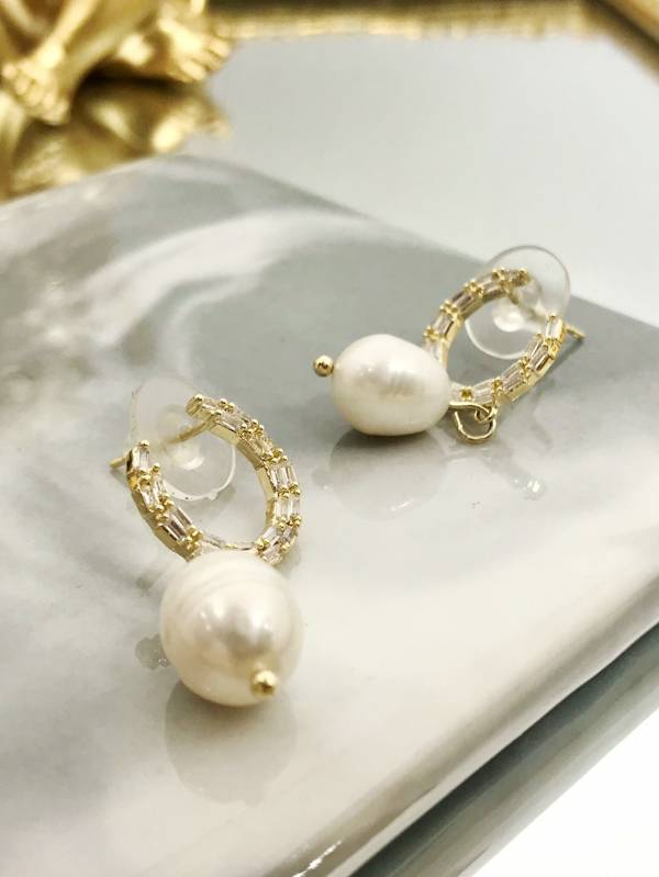 月牙寶石耳環