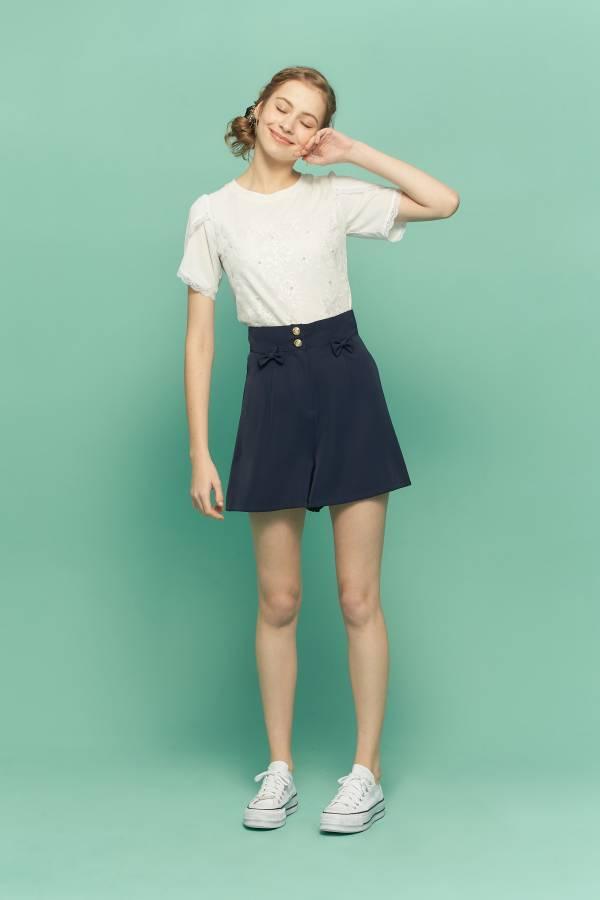 珍珠花朵蕾絲長袖T恤