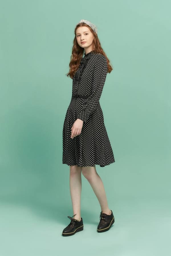 壓褶荷葉波點洋裝 荷葉洋裝,洋裝,壓褶洋裝