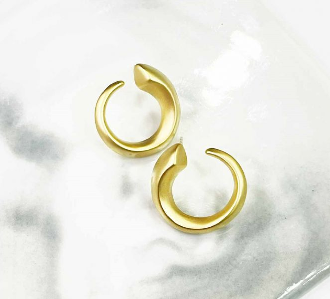 時尚C型耳環