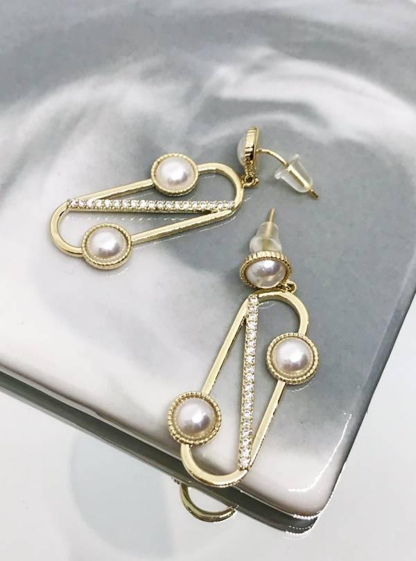 珍珠迴紋針耳環