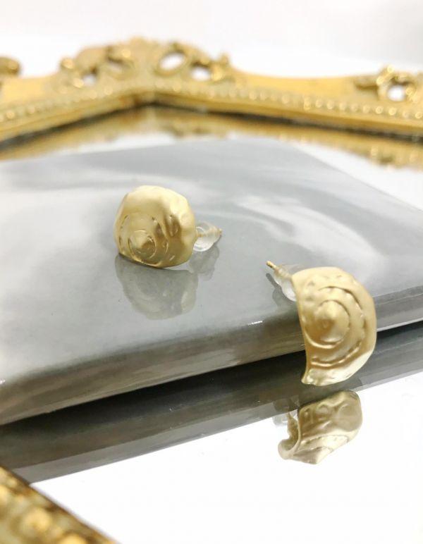 蝸牛貝殼耳環
