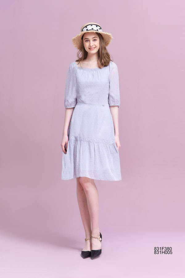 優雅剪花蕾絲領洋裝