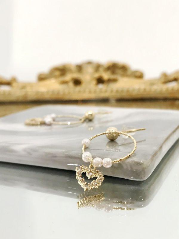 珍珠垂墜愛心耳環