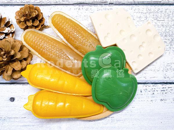 ferplast 義大利 飛寶 囓齒磨牙玩具 蘋果 起司 玉米 紅蘿蔔 ferplast 義大利 飛寶 囓齒磨牙玩具 蘋果 起司 玉米 紅蘿蔔