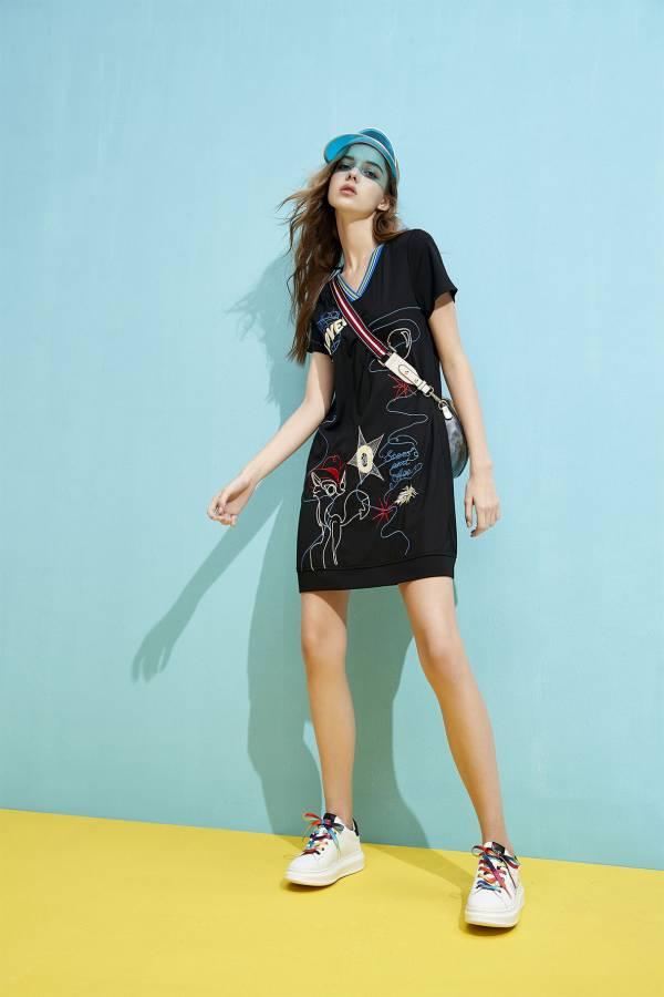 波普框線繡花洋裝