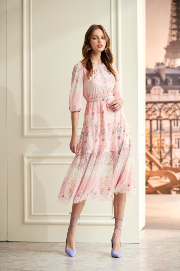 精緻繡花洋裝