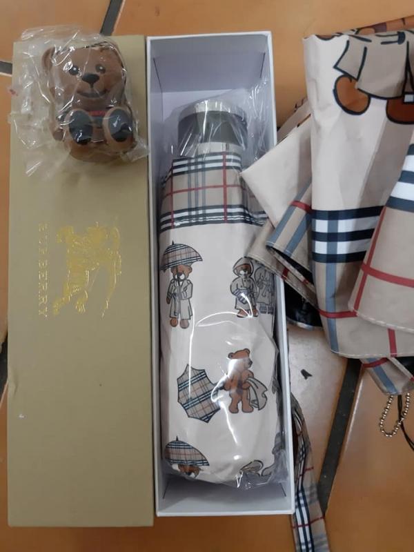 【超值預購】特價BURBERRY晴雨2用傘附小熊吊飾(售價已折) 日本代購,BURBERRY,傘