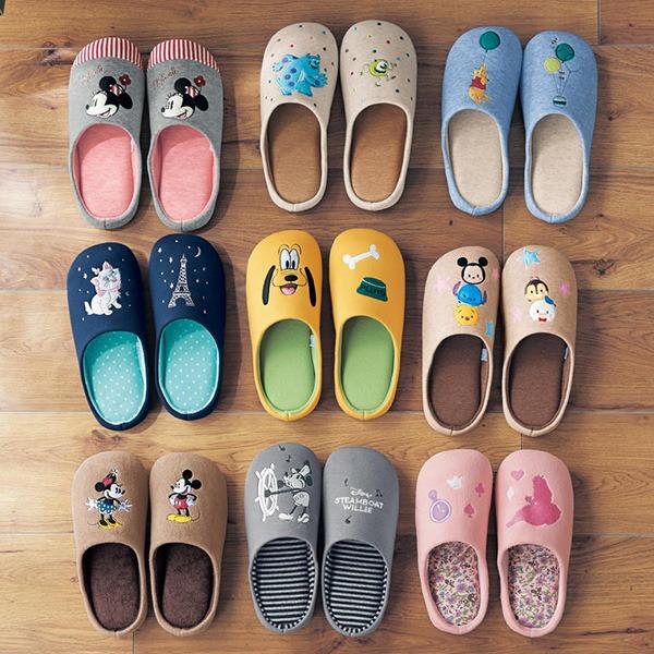 日本代購-迪士尼貼花刺繡舒適鞋墊可機洗拖鞋(共十五色) 日本代購,東區時尚,拖鞋