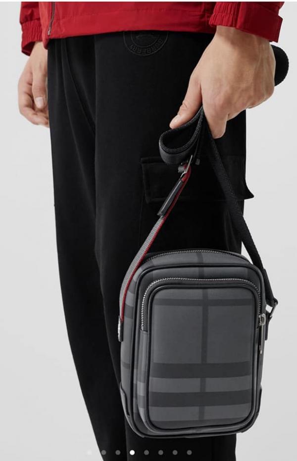 日本代購-特價BURBERRY男士煙燻格肩背/斜背包(售價已折) 日本代購,BURBERRY,肩背