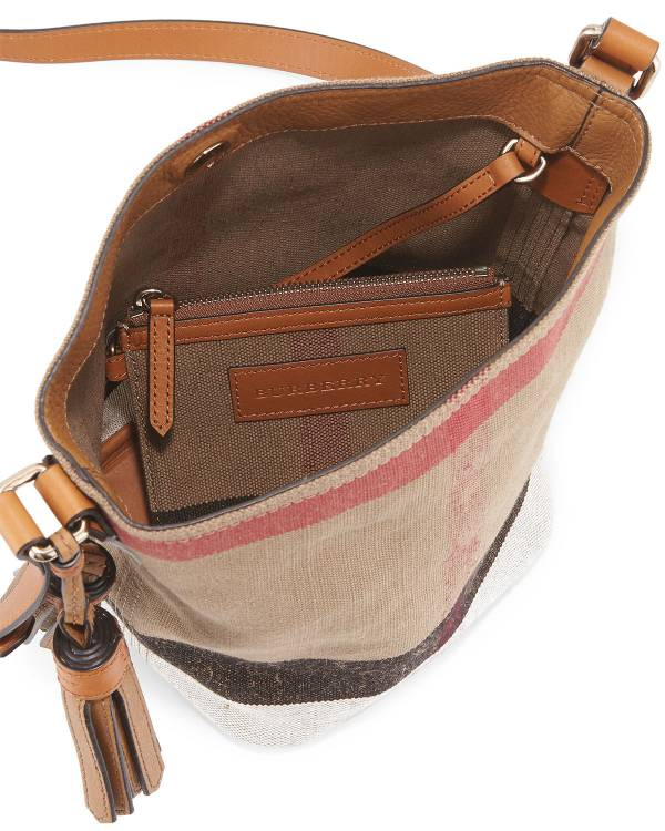 日本代購-特價BURBERRY經典流蘇水桶包(小)附小包(售價已折) 日本代購,BURBERRY,肩背包