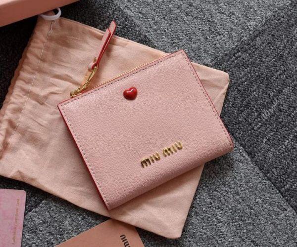 超值代購-特價MlU MIU小羊皮愛心按釦手拿零錢包(售價已折) 日本代購,MlU MIU,小羊皮,零錢包