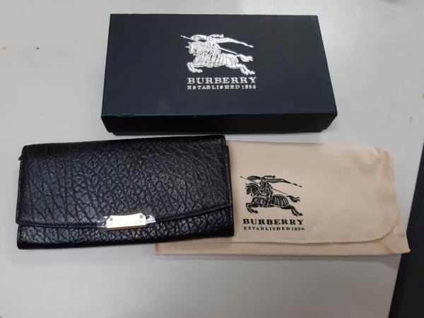 日本代購-特價BURBERRY 荔枝紋金LOGO牛皮翻蓋式長夾(售價已折) 日本代購,BURBERRY,長夾