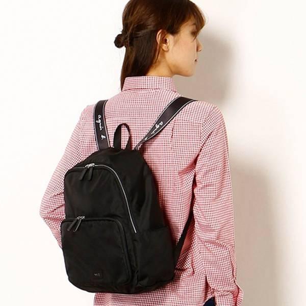 日本代購-特價agnes b voyage防潑水尼龍 LOGO 背帶後背包(售價已折) agnes b.,東區時尚,後背包