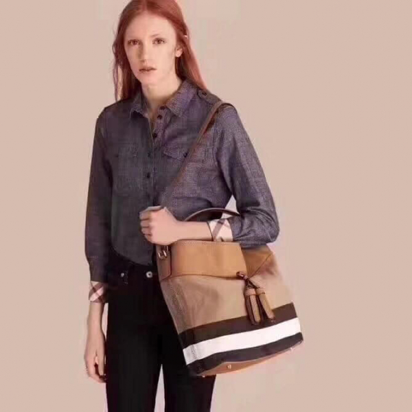 日本代購-特價BURBERRY經典格紋皮革流蘇水桶包(售價已折) 日本代購,BURBERRY,水桶包