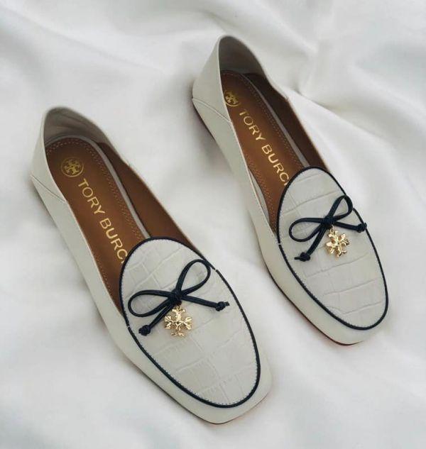 特價TORY BURCH時尚蝴蝶結金LOGO鱷魚皮平底鞋(售價已折) Tory Burch,平底鞋