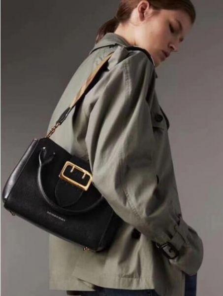 超值代購-BURBERRY 「The Buckle 」皮帶釦包(售價已折) Burberry,東區時尚,The Buckle ,皮帶釦包