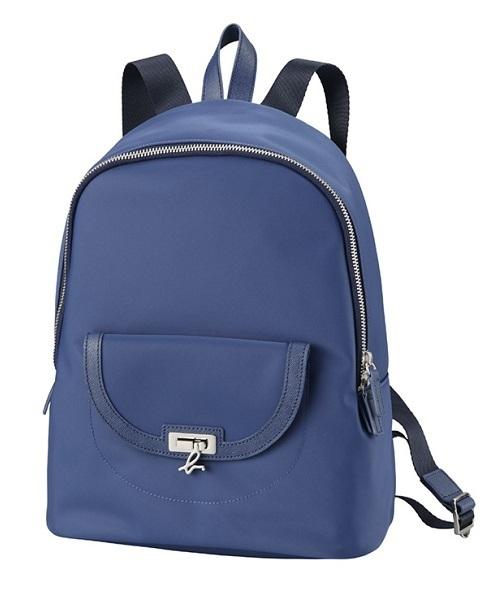 日本代購-特價agnes b 金屬 b logo 扣防潑水尼龍後背包(售價已折) agnes b.,東區時尚,後背包